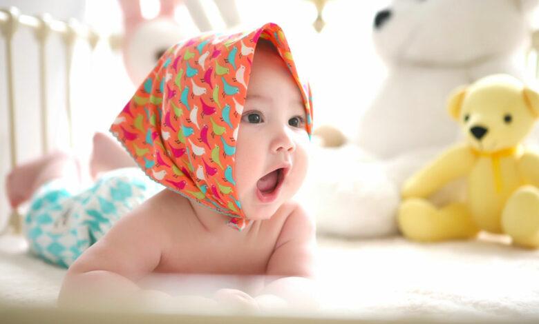 brijanje glave ženskog djeteta